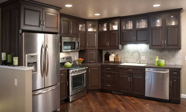 White versus wood where are kitchen cabinets headed for White vs wood kitchen cabinets