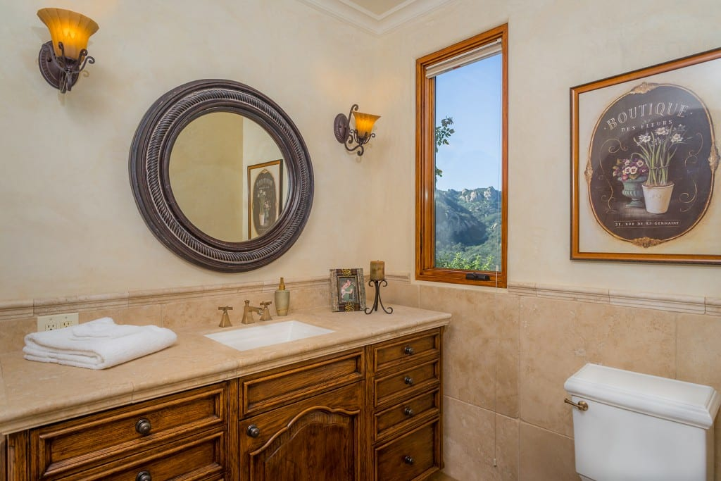 Tuscan Style Small Bathroom