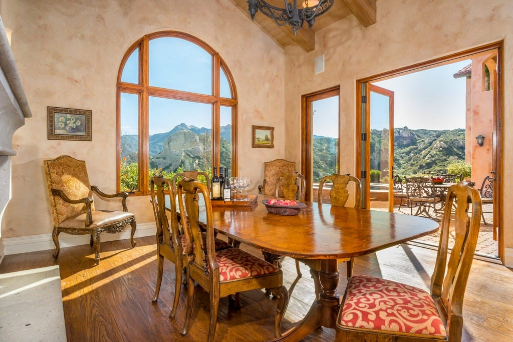 Tuscan Traditional Dining Room