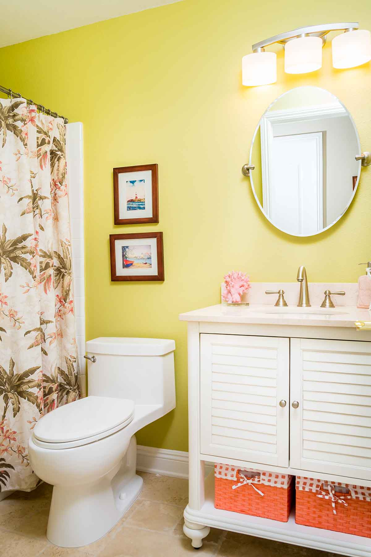 Coastal bathroom in Wheatgrass